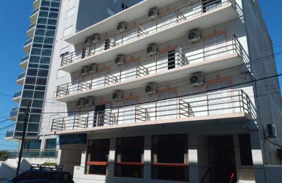 IMPORTANTE HOTEL EN SAN BERNARDO A METROS DEL MAR – EXCELENTE ESTADO – FUNCIONANDO